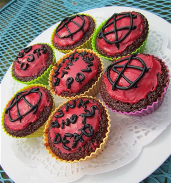 Fight the power! Anarchist ginger cakes