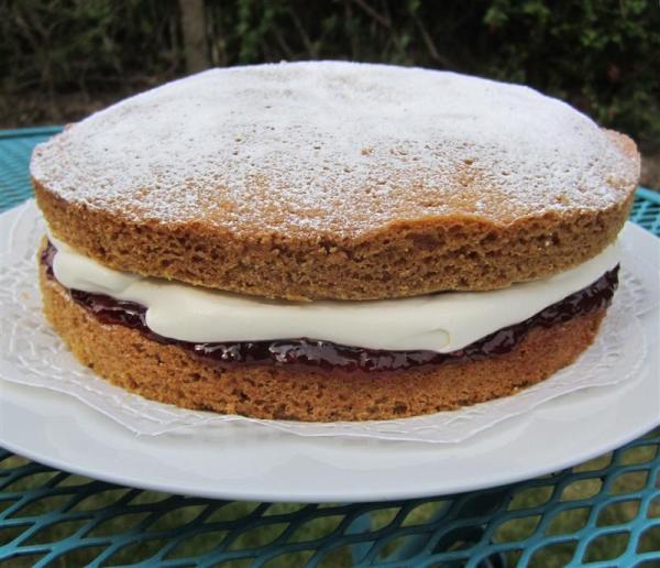A victoria sponge cake. Queen of cakes.